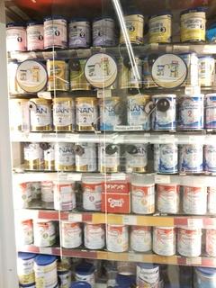 粉ミルク多種.JPG