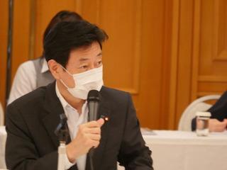 西村大臣.JPG